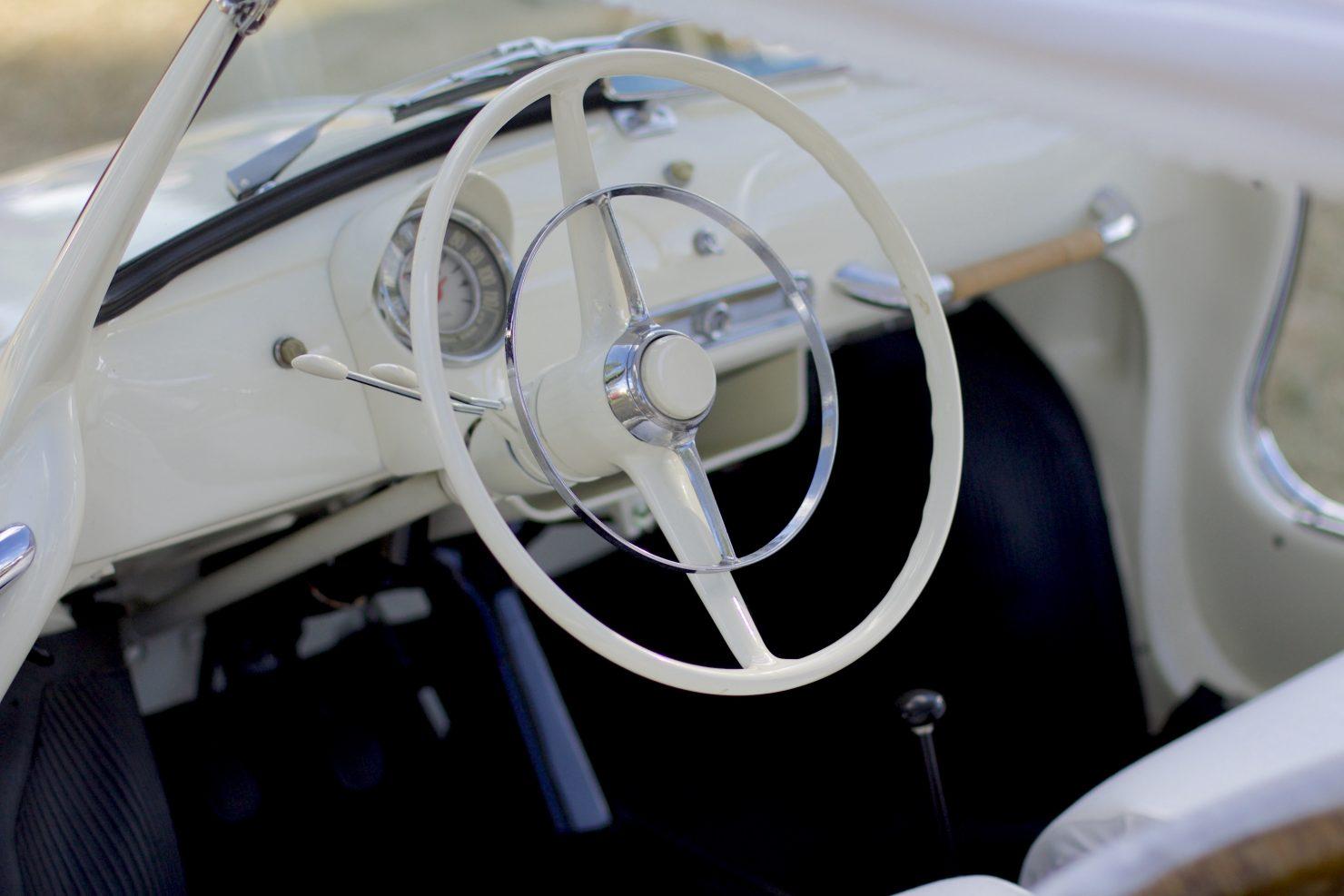 1960 Ghia Fiat 500 Jolly 1 1480x987 - Cockpits of Goodwood