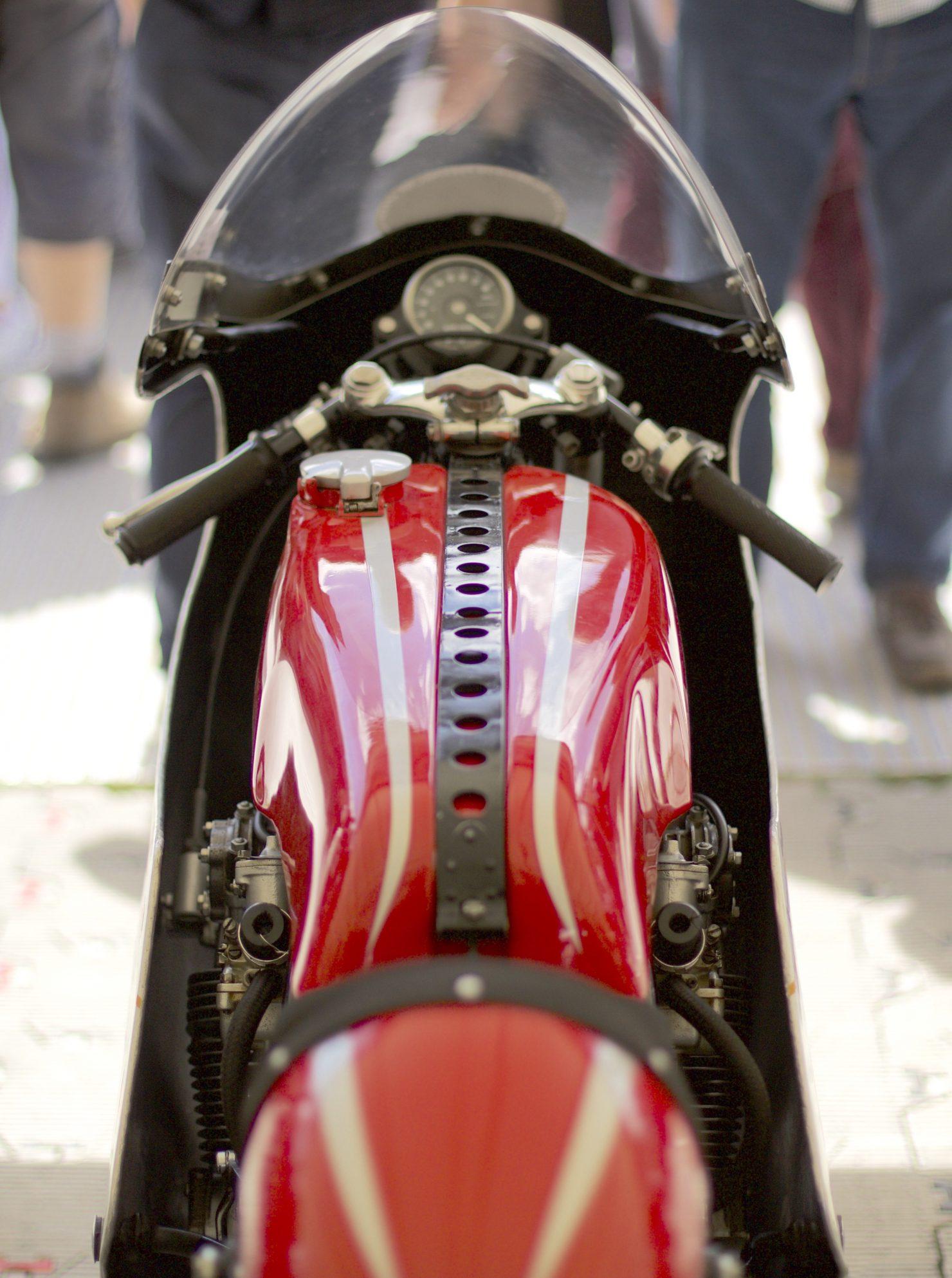1961 Honda 250cc 4 RV161162 1480x1986 - Cockpits of Goodwood