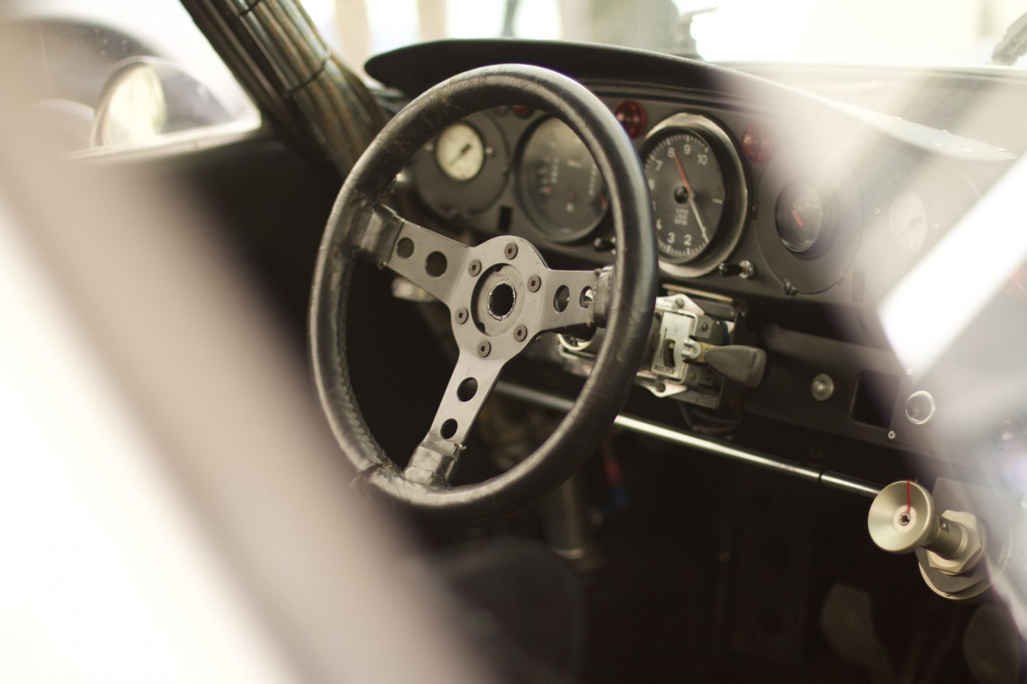 1973 Porsche 911 RSR Turbo 2.1 1480x987 - Cockpits of Goodwood