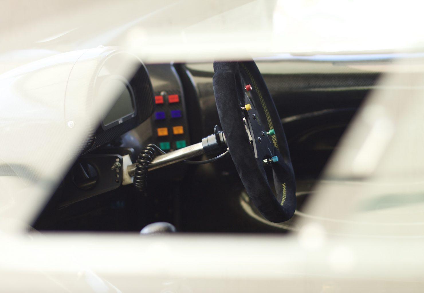 1993 Jaguar XJ220 LM 1480x1025 - Cockpits of Goodwood