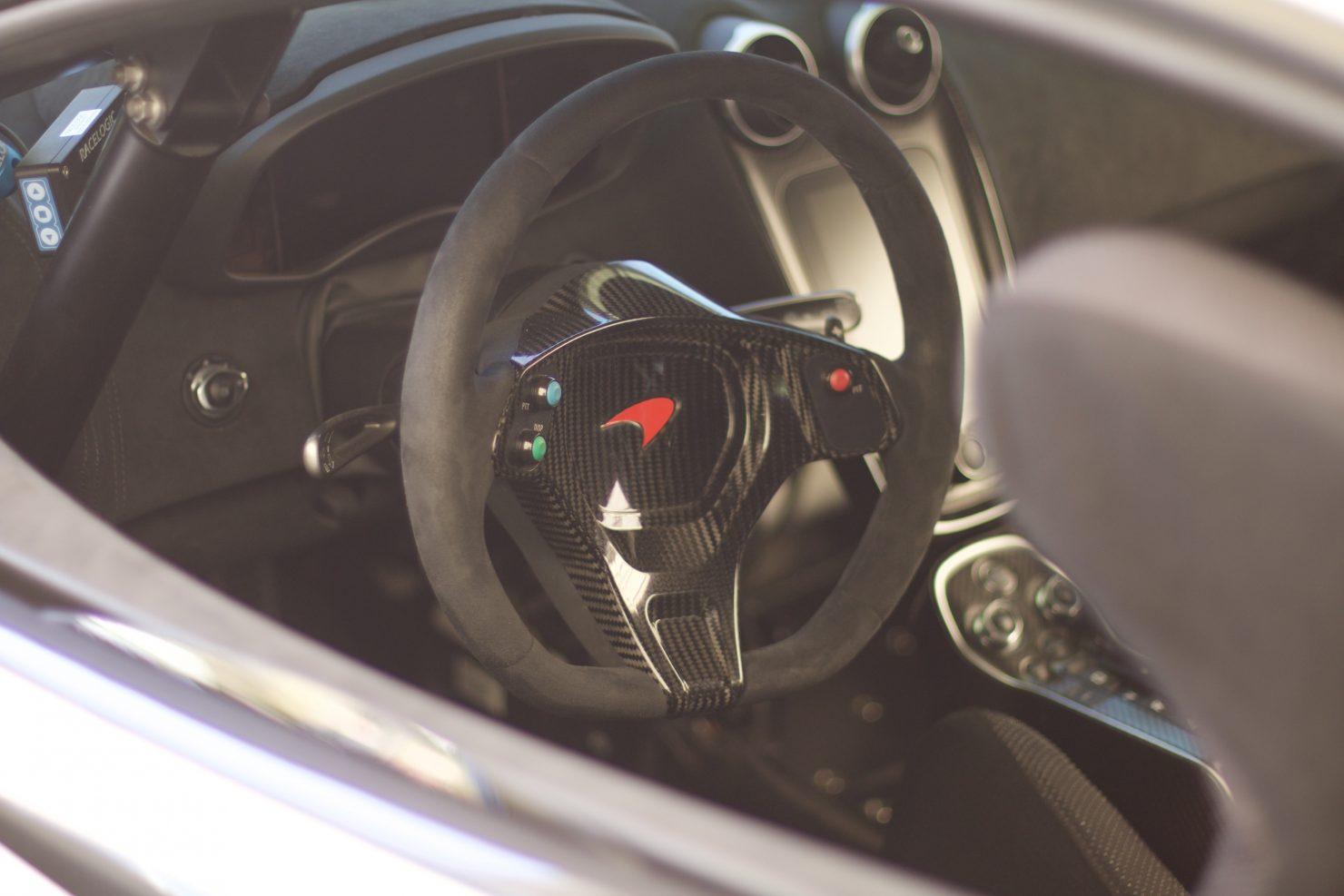 2017 McLaren 570S GT4 1480x987 - Cockpits of Goodwood