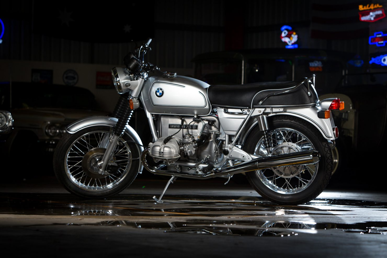AM6P0562 1480x987 - Immaculately Restored: BMW R75/6