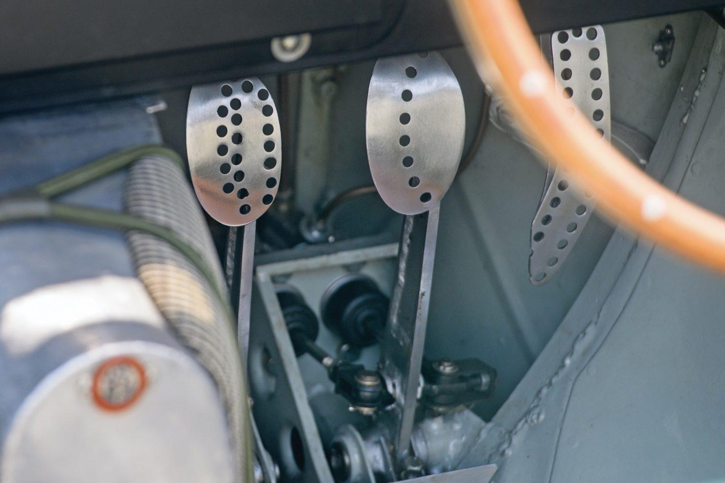 aston martin dbr1 21 1480x987 - 1956 Aston Martin DBR1
