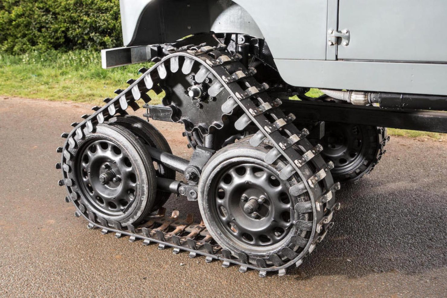 land rover Cuthbertson 17 1480x985 - 1958 Tracked Cuthbertson Land Rover