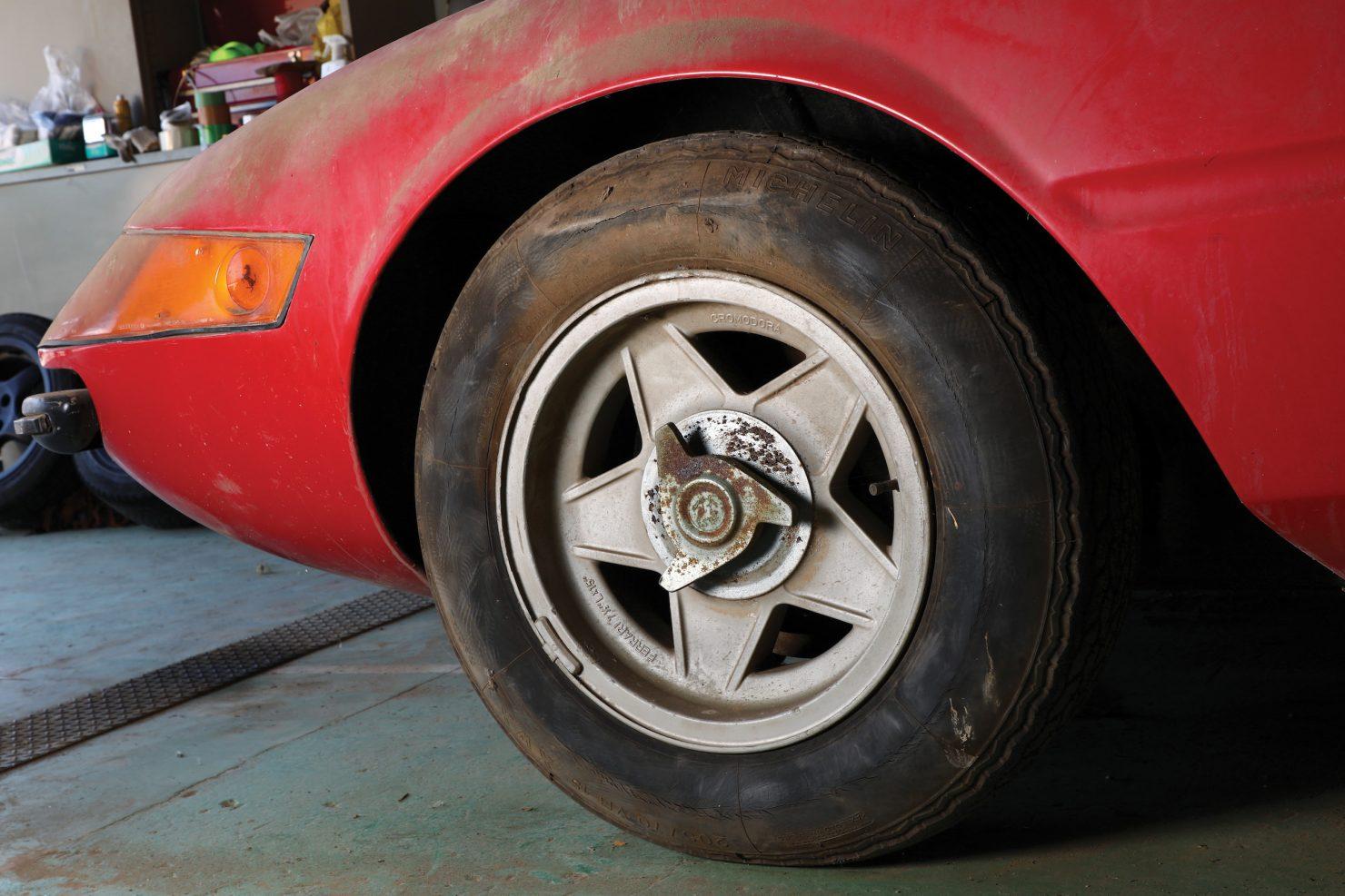 Ferrari 365 GTB4 Daytona Alloy 9 1480x987 - Barn Find: 1969 Ferrari 365 GTB/4 Daytona Alloy