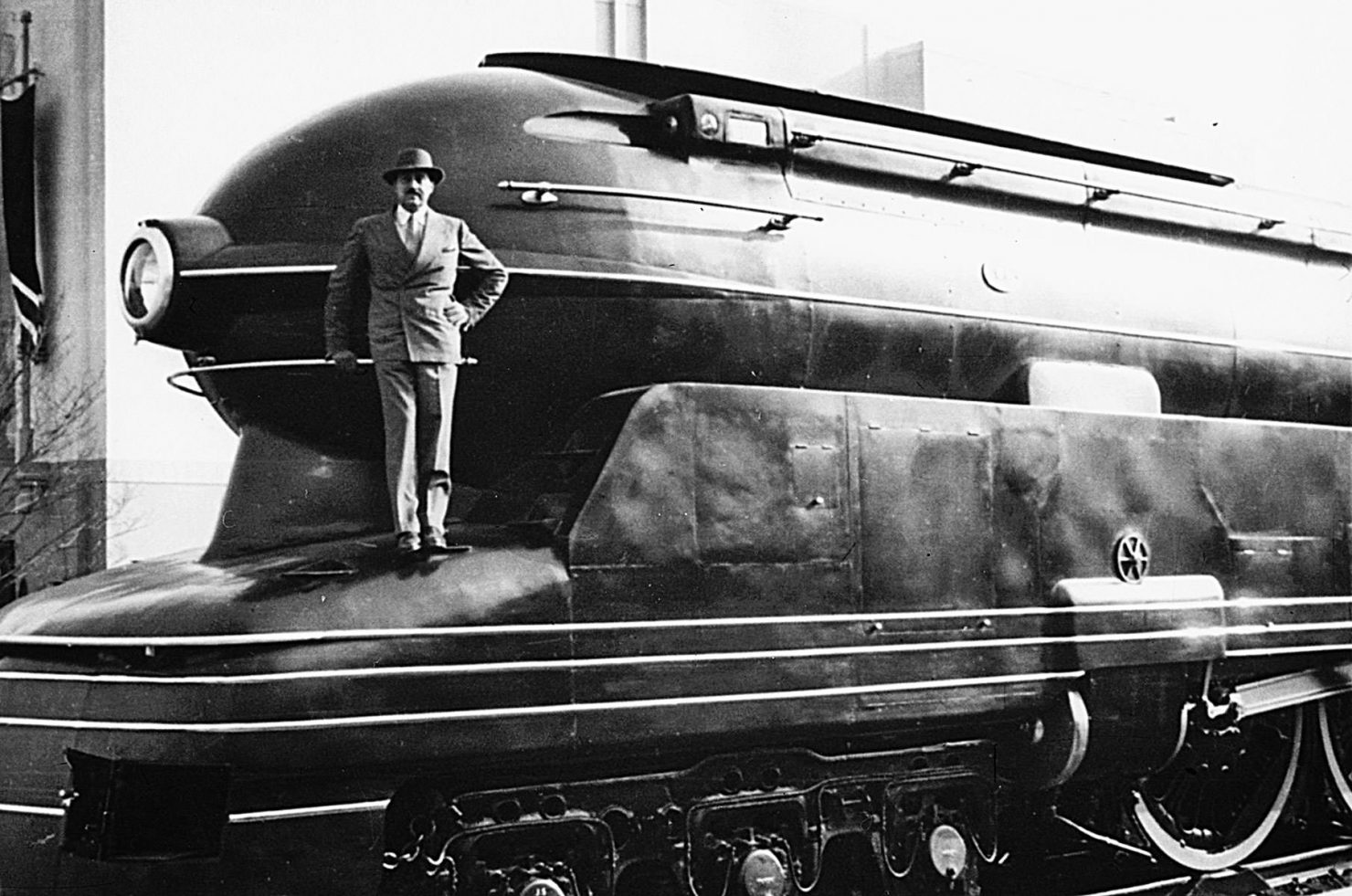Raymond Loewy 1480x981 - Film - Raymond Loewy: Father of Industrial Design