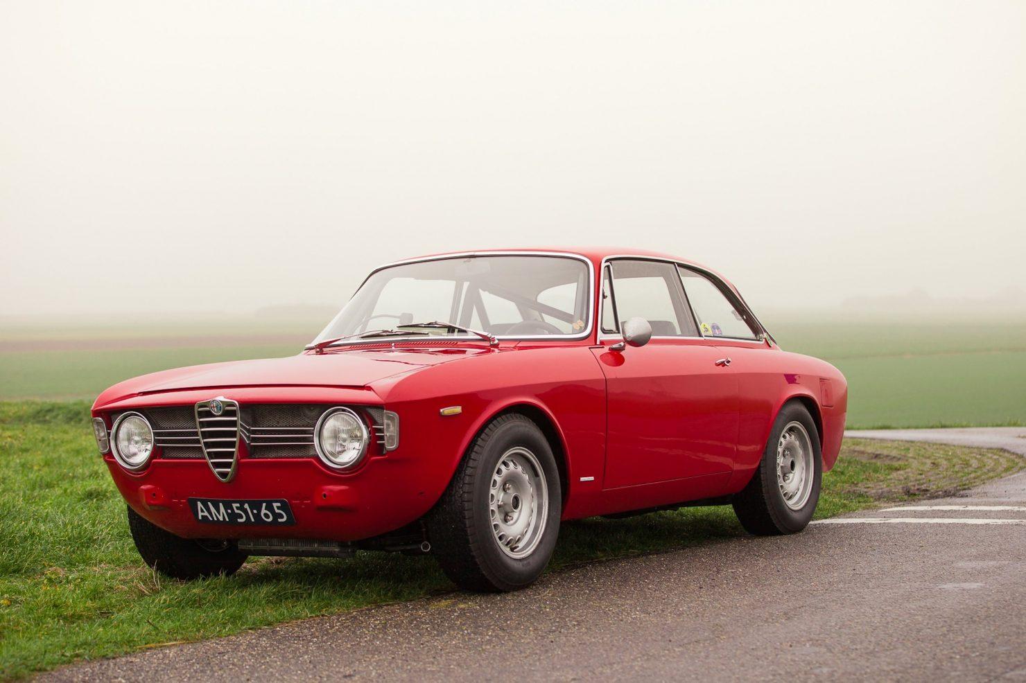 alfa romeo sprint gt veloce 1 1480x986 - 1967 Alfa Romeo Sprint GT Veloce