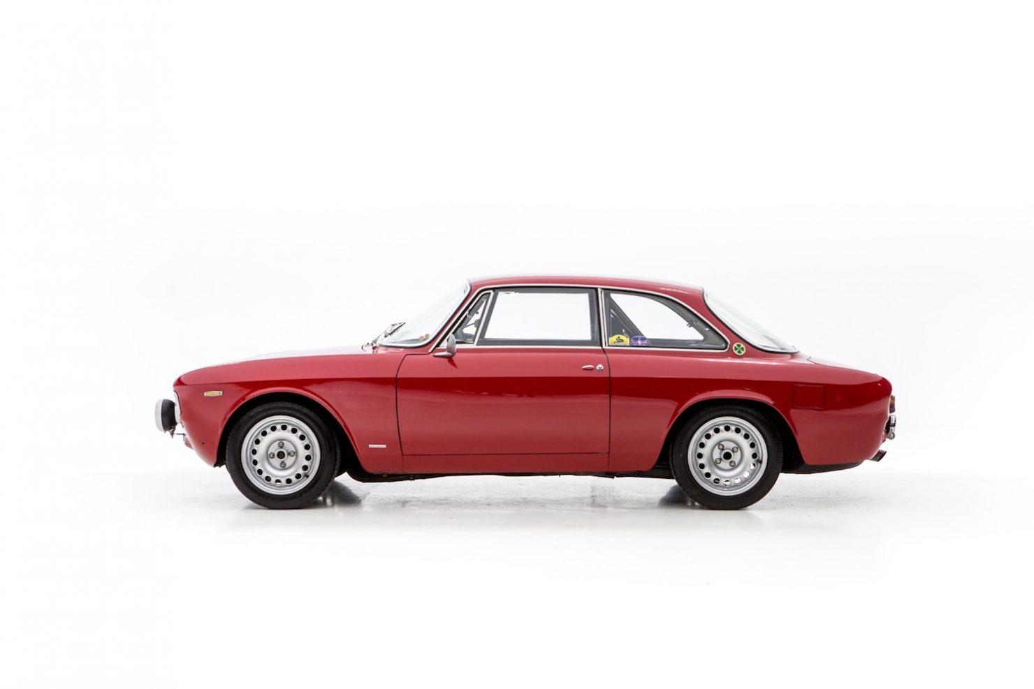 alfa romeo sprint gt veloce 18 1480x987 - 1967 Alfa Romeo Sprint GT Veloce