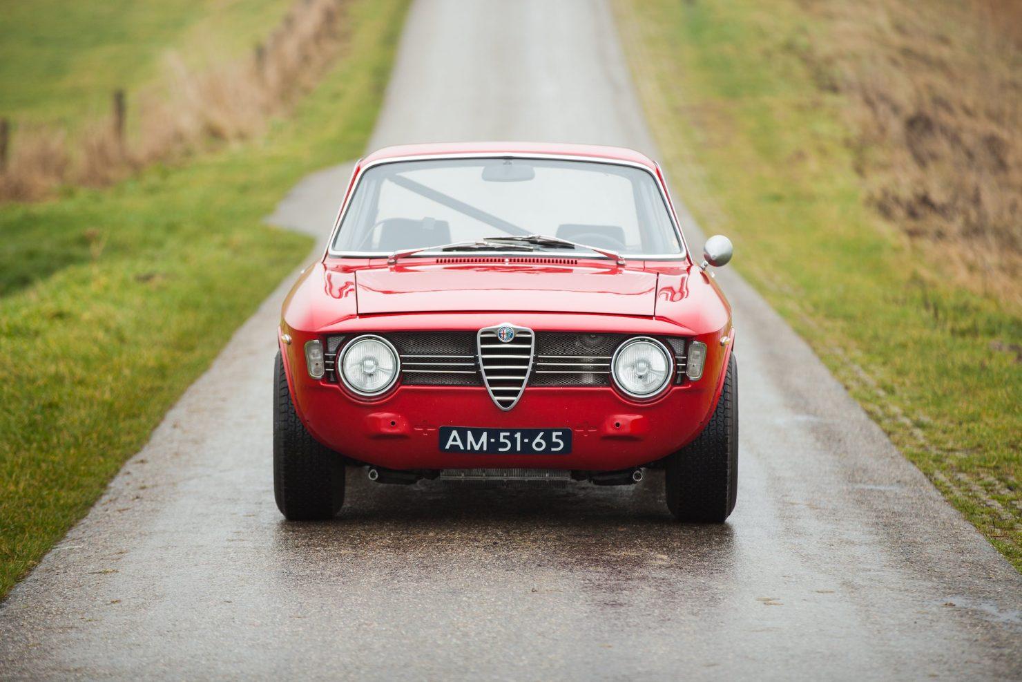 alfa romeo sprint gt veloce 2 1480x987 - 1967 Alfa Romeo Sprint GT Veloce