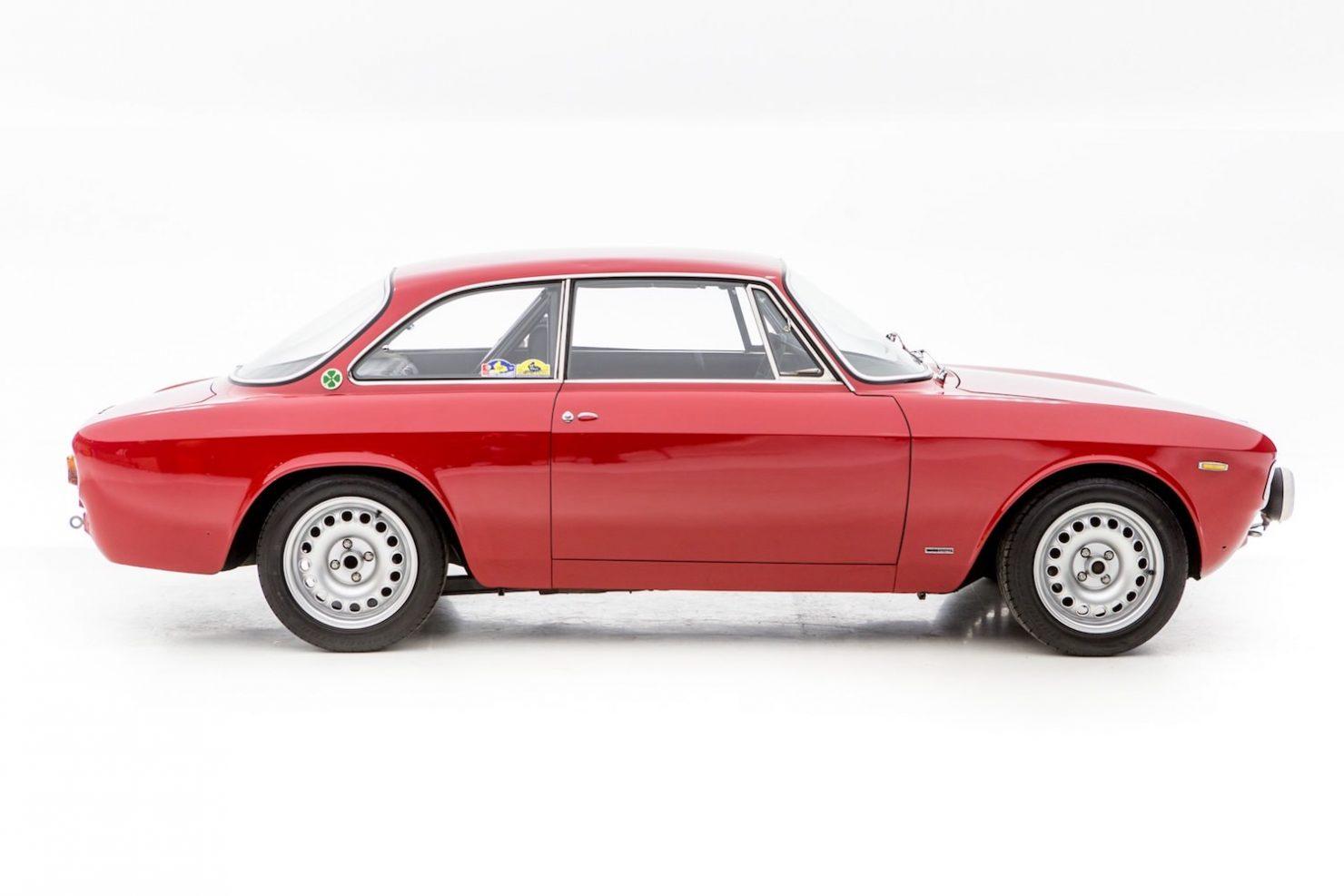 alfa romeo sprint gt veloce 25 1480x987 - 1967 Alfa Romeo Sprint GT Veloce