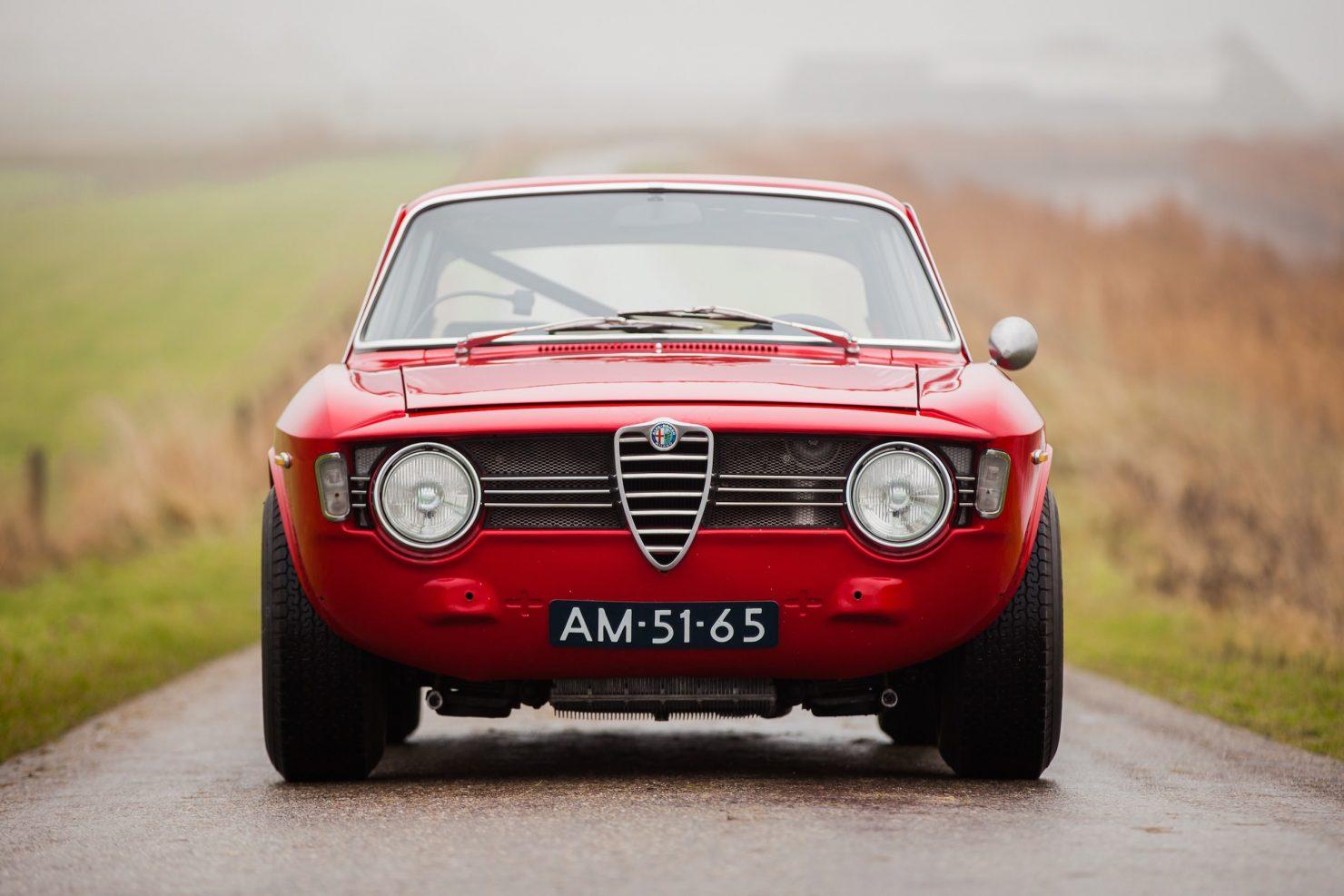 alfa romeo sprint gt veloce 3 1480x987 - 1967 Alfa Romeo Sprint GT Veloce