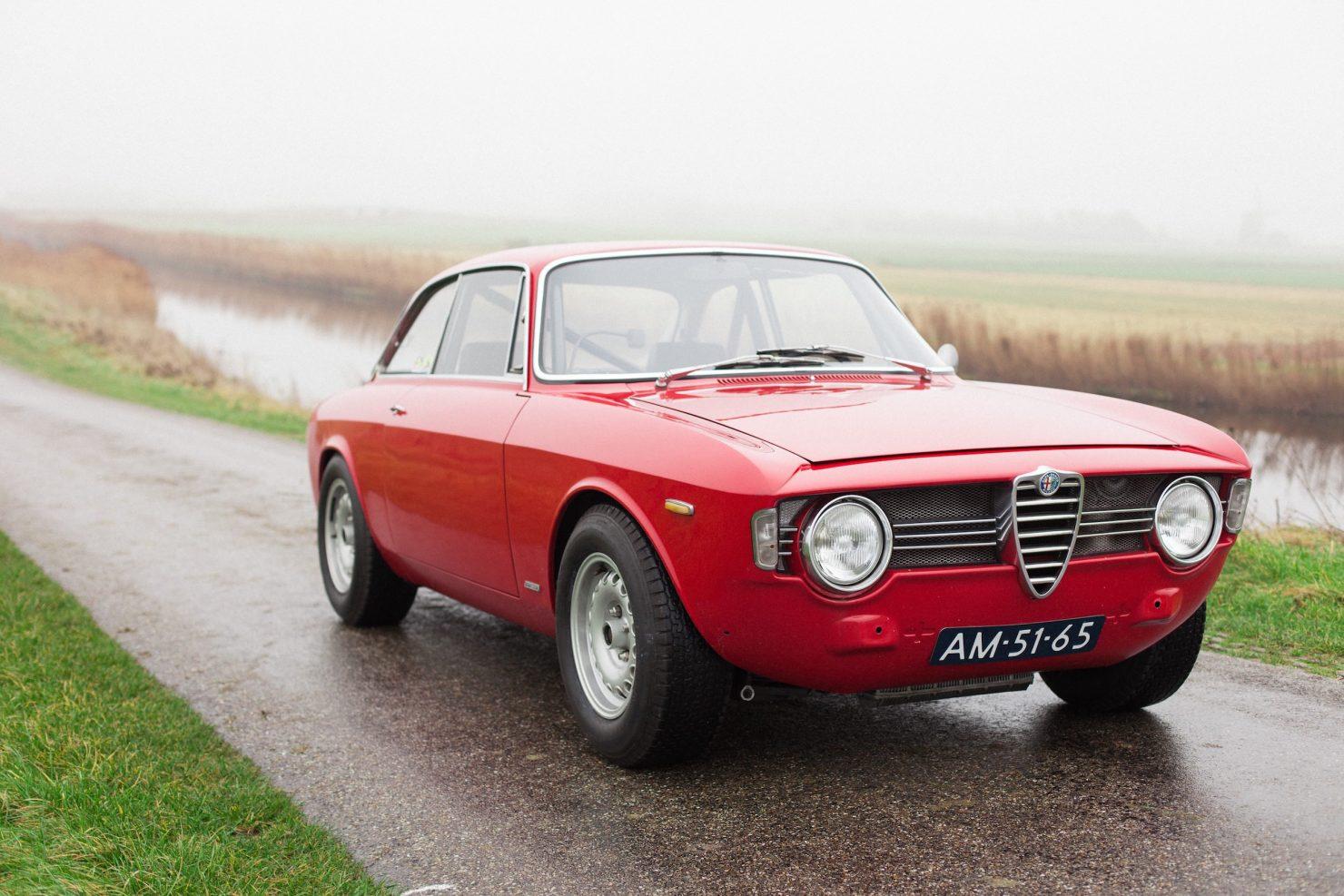 alfa romeo sprint gt veloce 4 1480x987 - 1967 Alfa Romeo Sprint GT Veloce