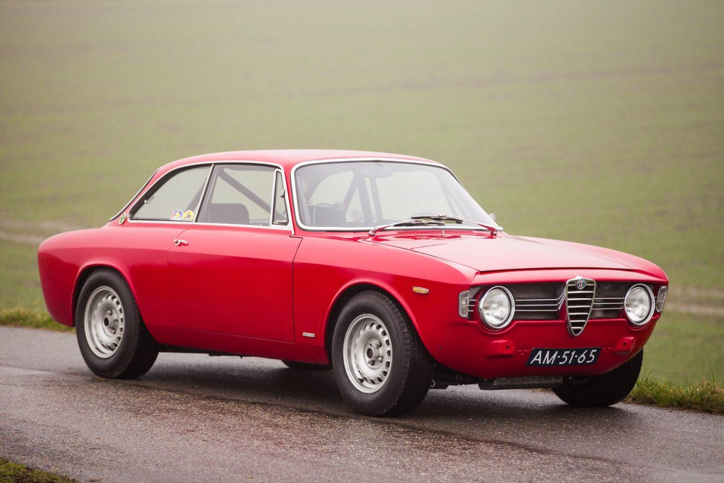 alfa romeo sprint gt veloce 8 1480x987 - 1967 Alfa Romeo Sprint GT Veloce