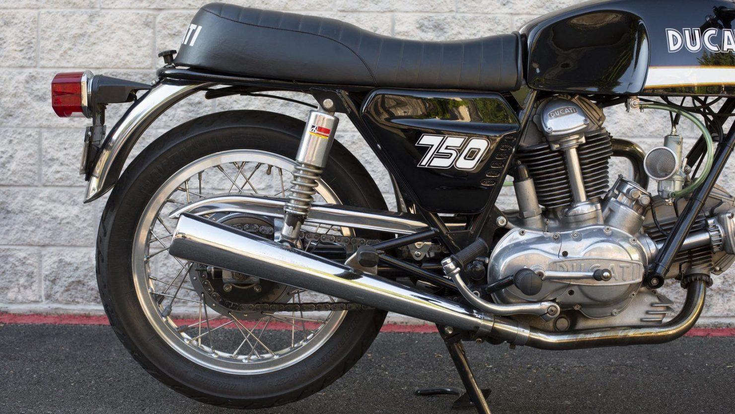 ducati 750gt 7 1480x833 - Original Sandcast 1971 Ducati 750 GT