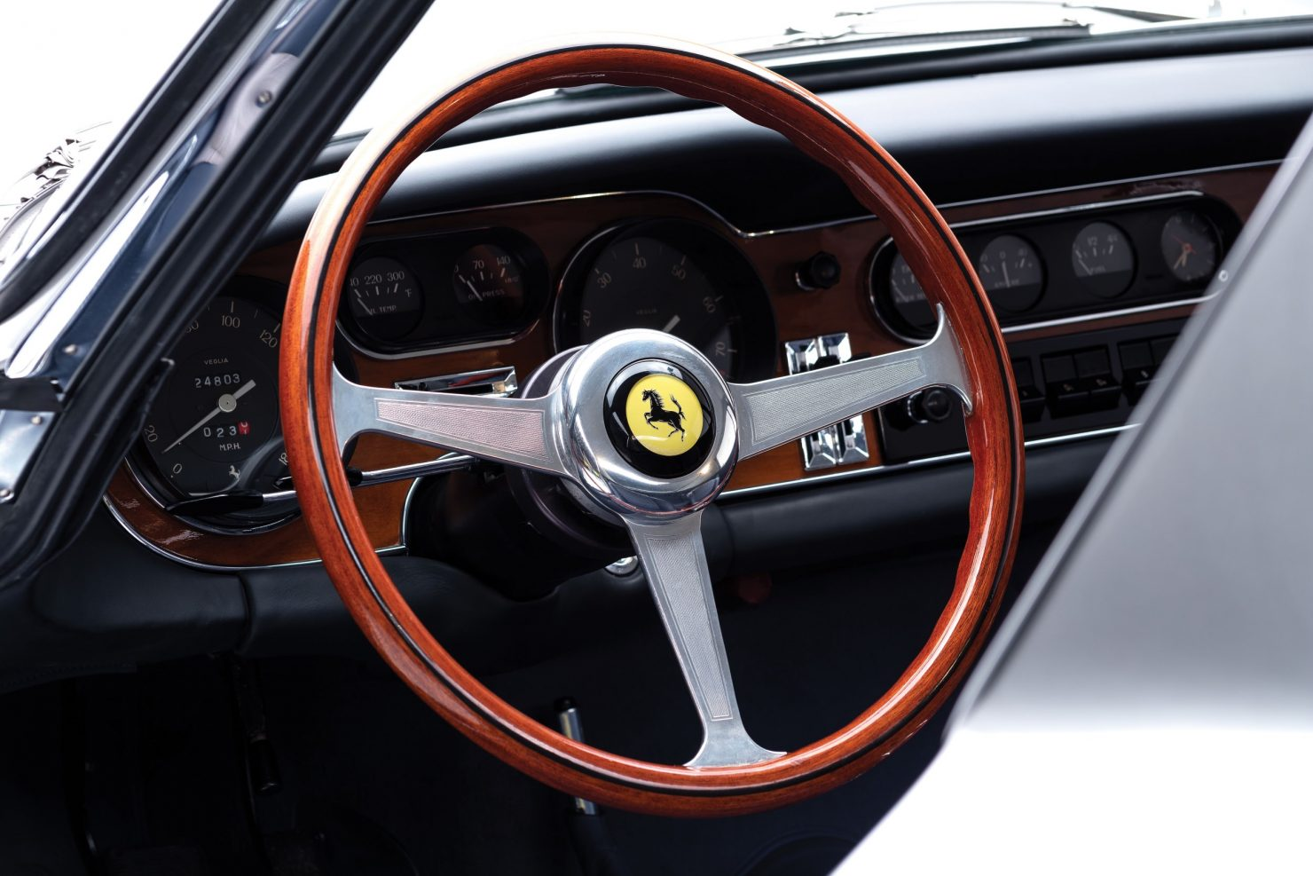 ferrari 275 gtb car 11 1480x987 - 1965 Ferrari 275 GTB/6C Alloy