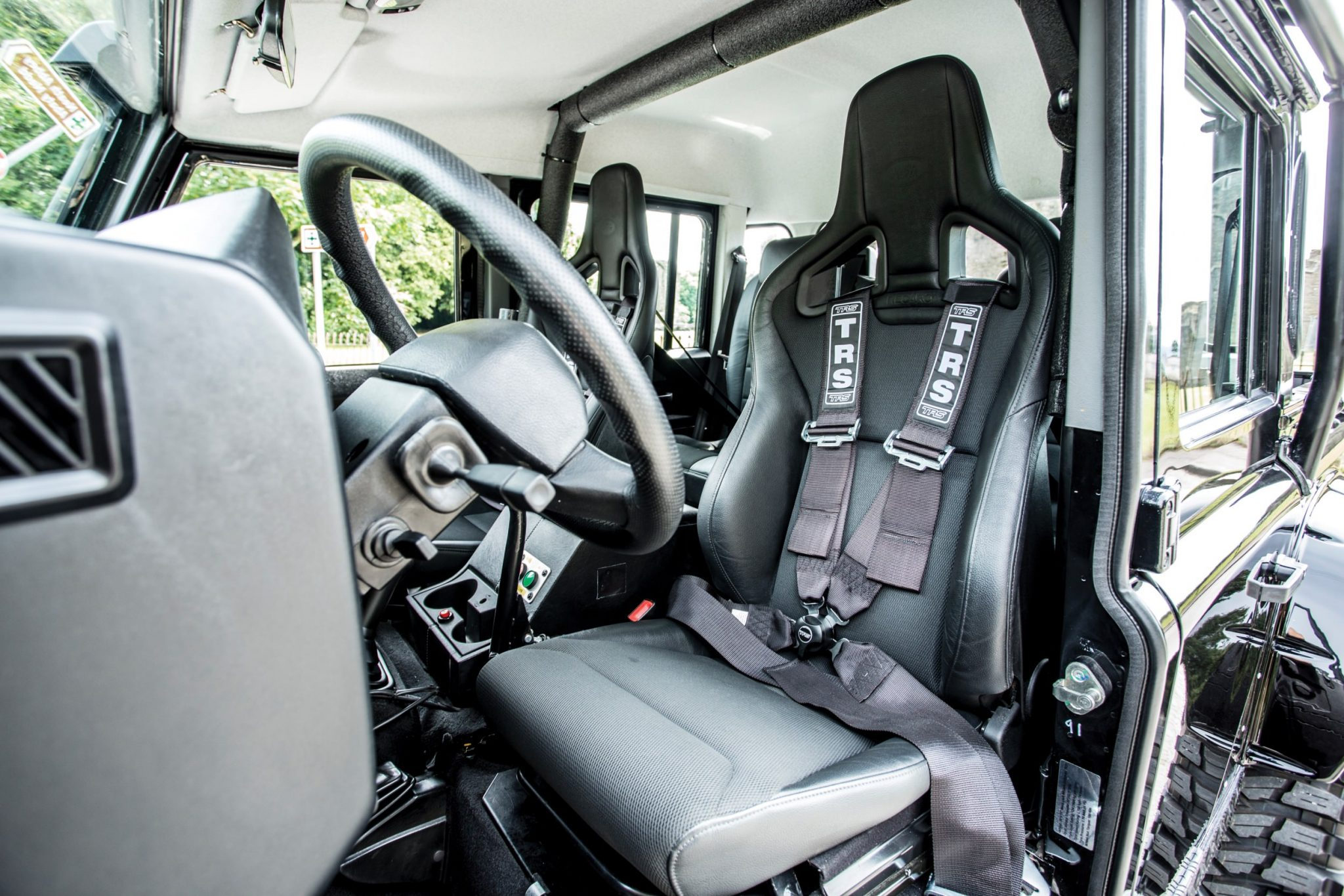 Ex-James Bond Spectre - Land Rover Defender SVX