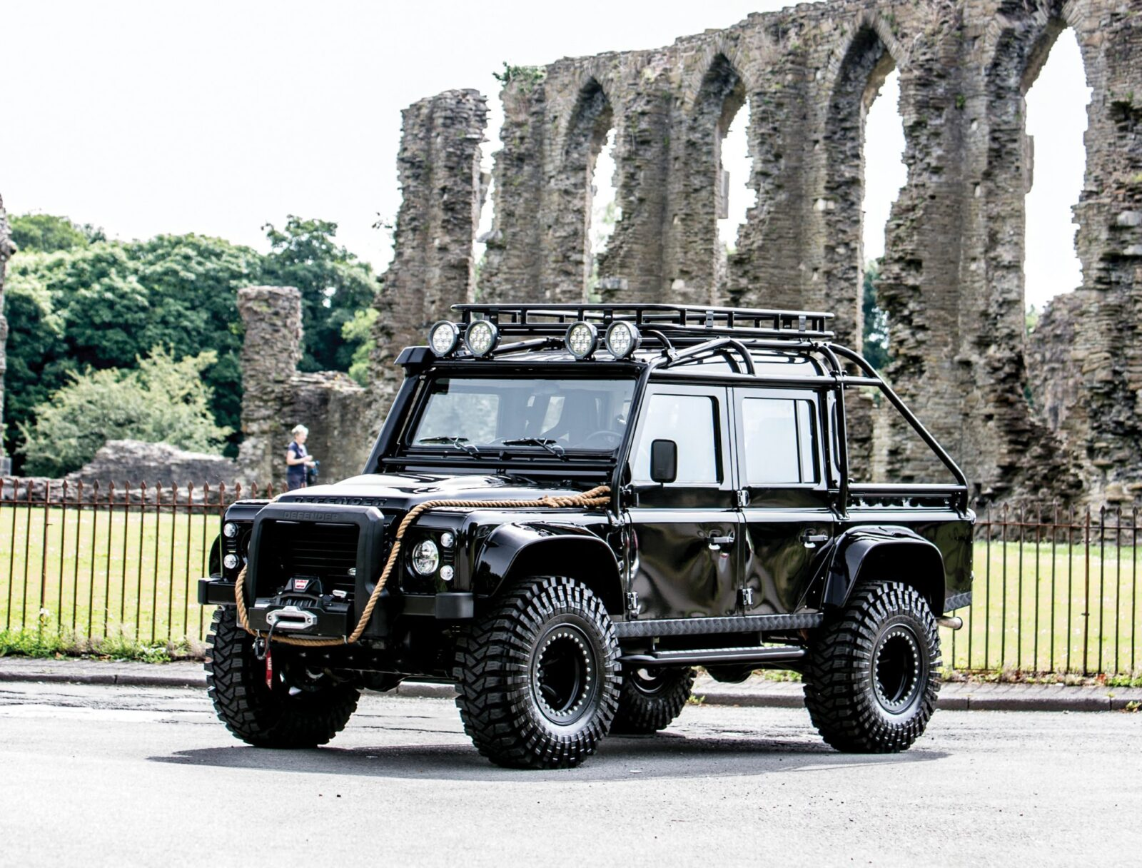 james bond spectre land rover defender svx 17 1600x1216 - Ex-James Bond Spectre - Land Rover Defender SVX