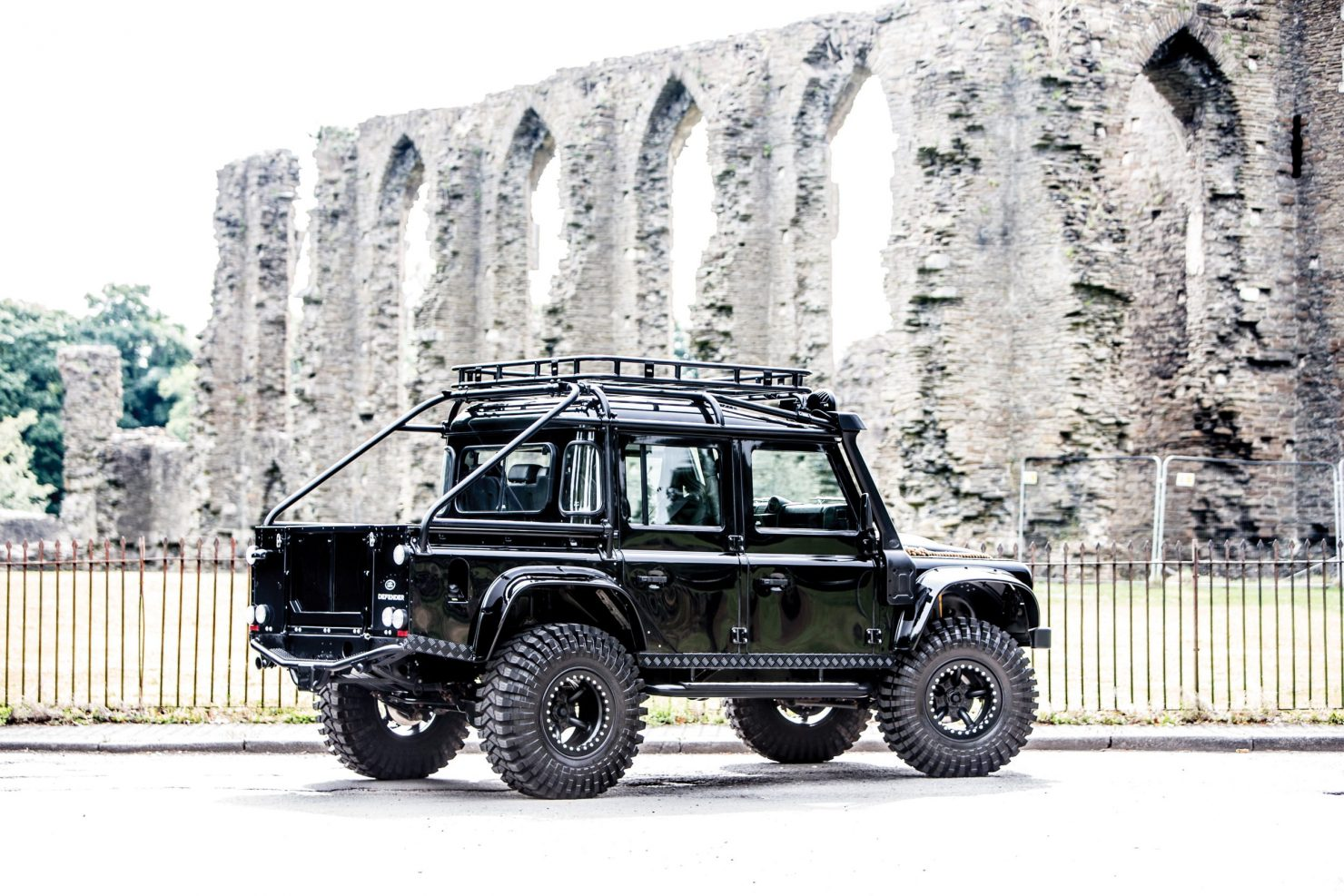 james bond spectre land rover defender svx 2 1480x987 - Ex-James Bond Spectre - Land Rover Defender SVX