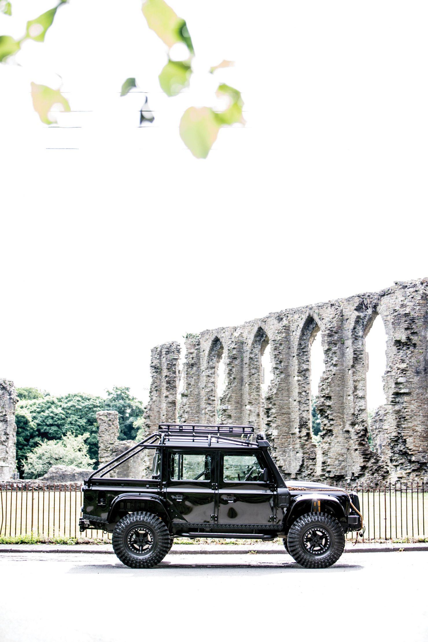 james bond spectre land rover defender svx 4 1480x2220 - Ex-James Bond Spectre - Land Rover Defender SVX