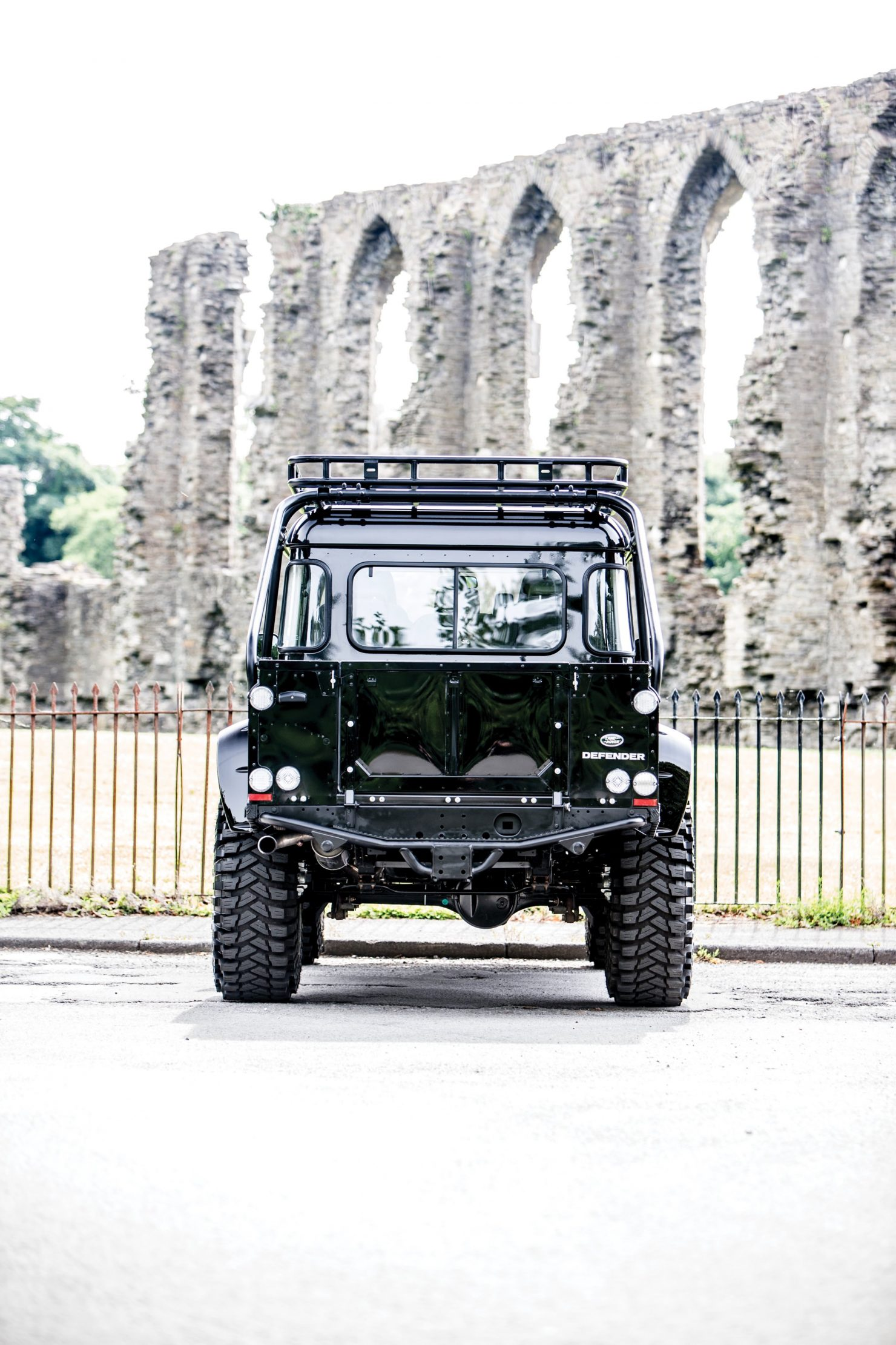 james bond spectre land rover defender svx 8 1480x2220 - Ex-James Bond Spectre - Land Rover Defender SVX