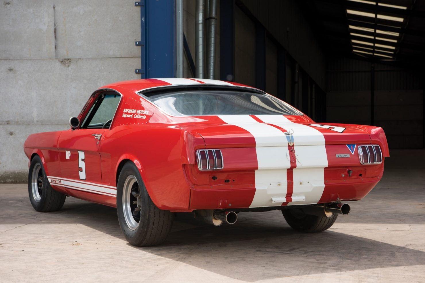 shelby gt350 race car 2 1480x988 - 1966 Shelby GT350 - Period SCCA Race Car