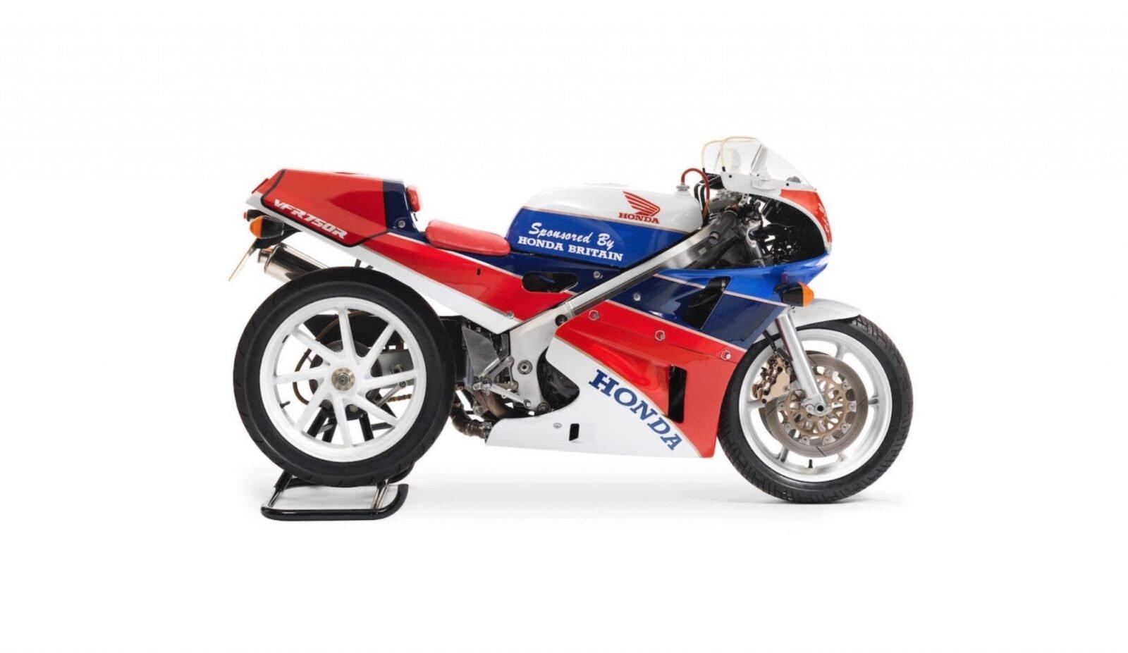 Honda VFR750R K Type RC30 1600x927 - 1989 Honda VFR750R Type RC30
