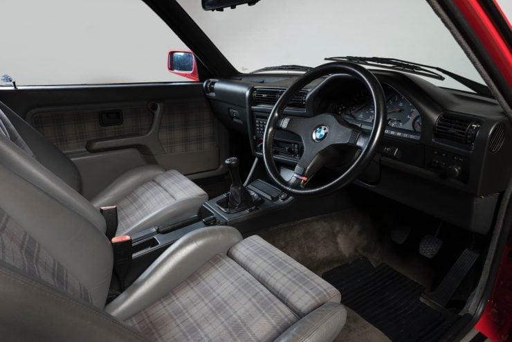 BMW M3 CAR 14 740x494 - 1988 BMW E30 M3 EVO 2