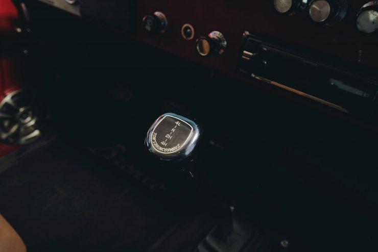 Ford Bronco 4x4 Car 9 740x494 - Restomod: 1968 Ford Bronco 302 V8