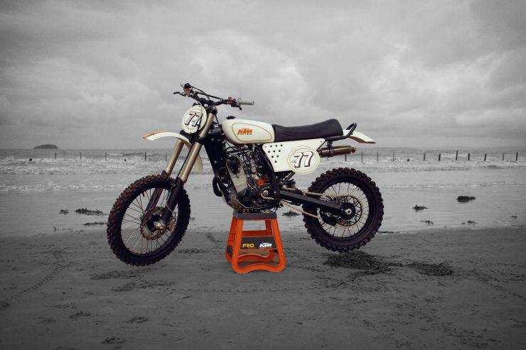 KTM Custom Motorcycle Retro 10 740x493 - Retro Racer: KTM 400 EXC-R