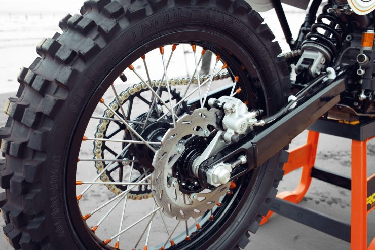 KTM Custom Motorcycle Retro 8 740x493 - Retro Racer: KTM 400 EXC-R