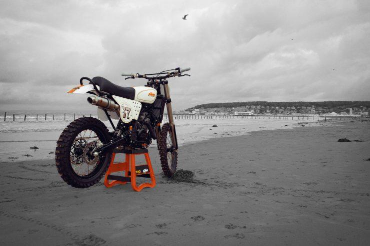 KTM Custom Motorcycle Retro 9 740x493 - Retro Racer: KTM 400 EXC-R