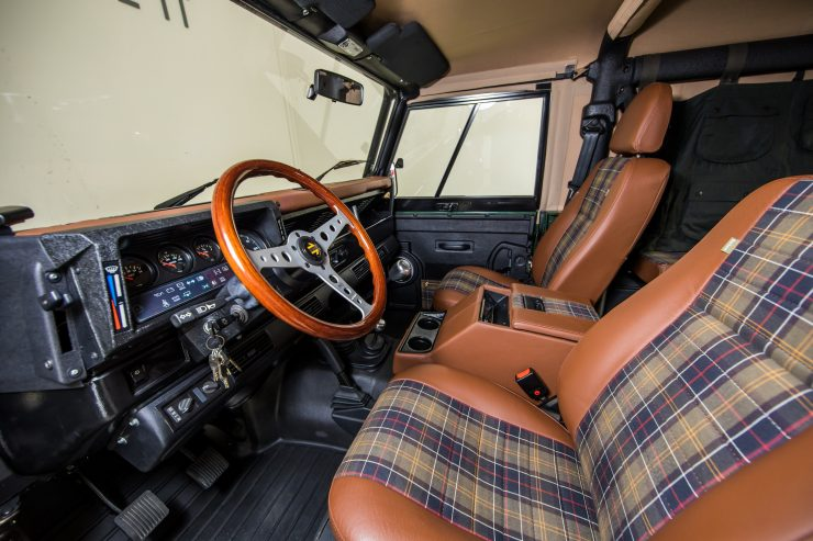 Land Rover Defender Custom 4x4 Car 9 740x493 - Project Barbour by East Coast Defender