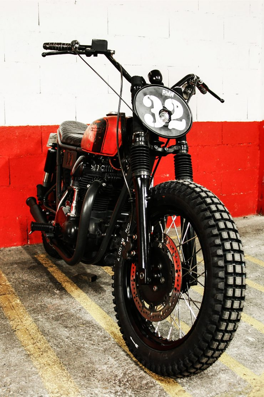 R.M. Williams x Blitz Motorcycles Kawasaki W650 12 740x1112 - R.M. Williams x Blitz Kawasaki W650