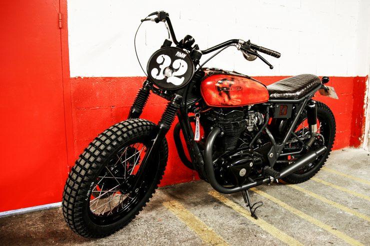 R.M. Williams x Blitz Motorcycles Kawasaki W650 4 740x492 - R.M. Williams x Blitz Kawasaki W650