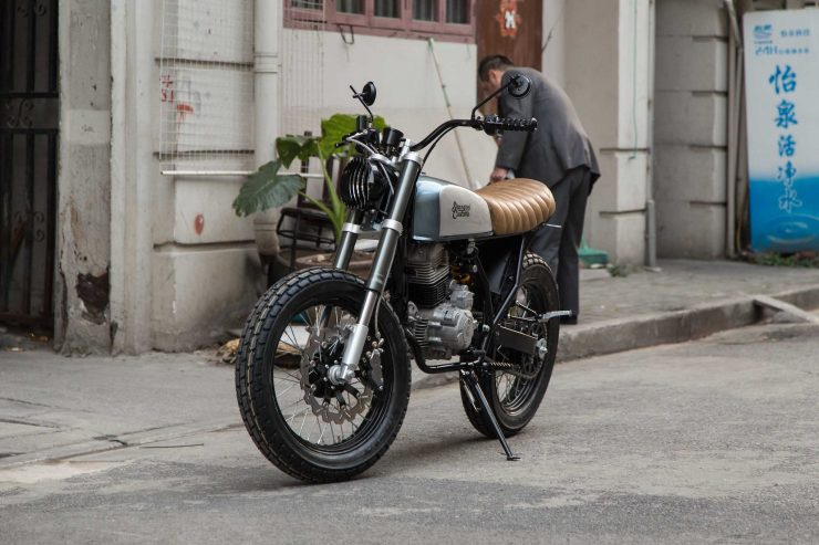 Shanghai Customs Scrambler Motorcycle 11 740x493 - Shanghai Customs Scrambler