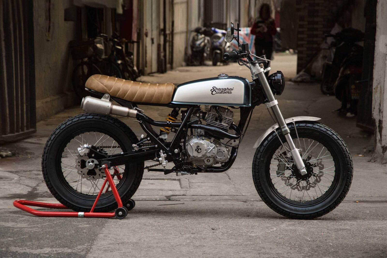 Shanghai Customs Scrambler Motorcycle 1600x1067 - Shanghai Customs Scrambler