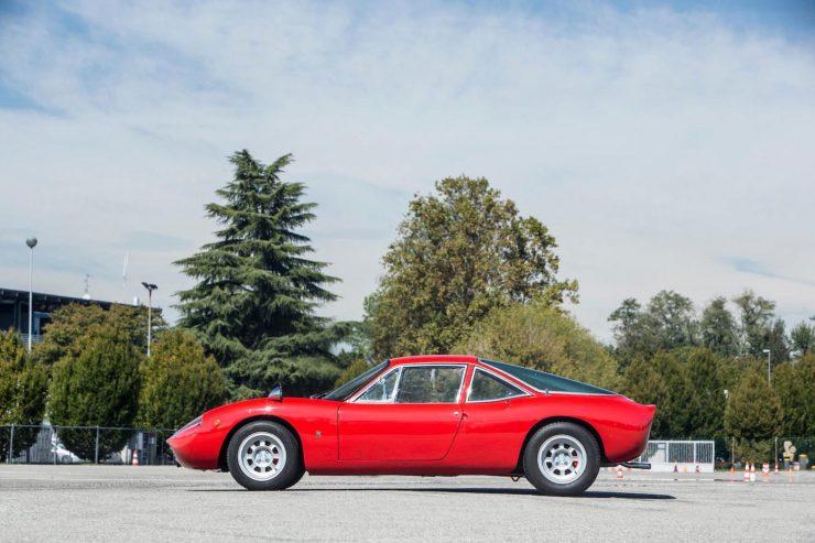 de tomaso vallelunga car 19 740x493 - 1967 De Tomaso Vallelunga