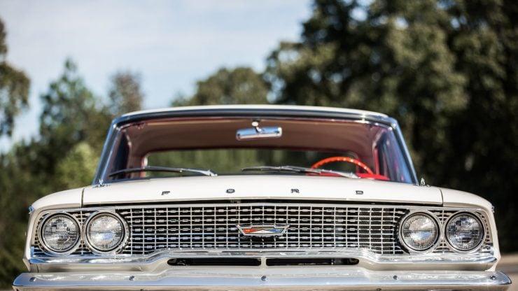 Ford Galaxie 500 Lightweight 18 740x416 - 1963 Ford Galaxie 500 Lightweight