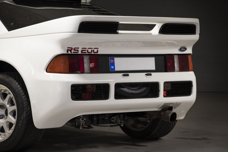 Ford RS200 2 740x493 - 1986 Ford RS200 Evolution Group B