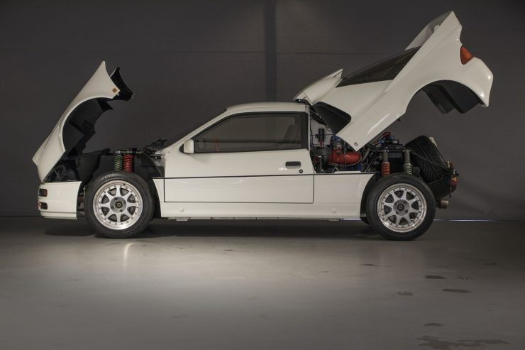 Ford RS200 6 740x493 - 1986 Ford RS200 Evolution Group B