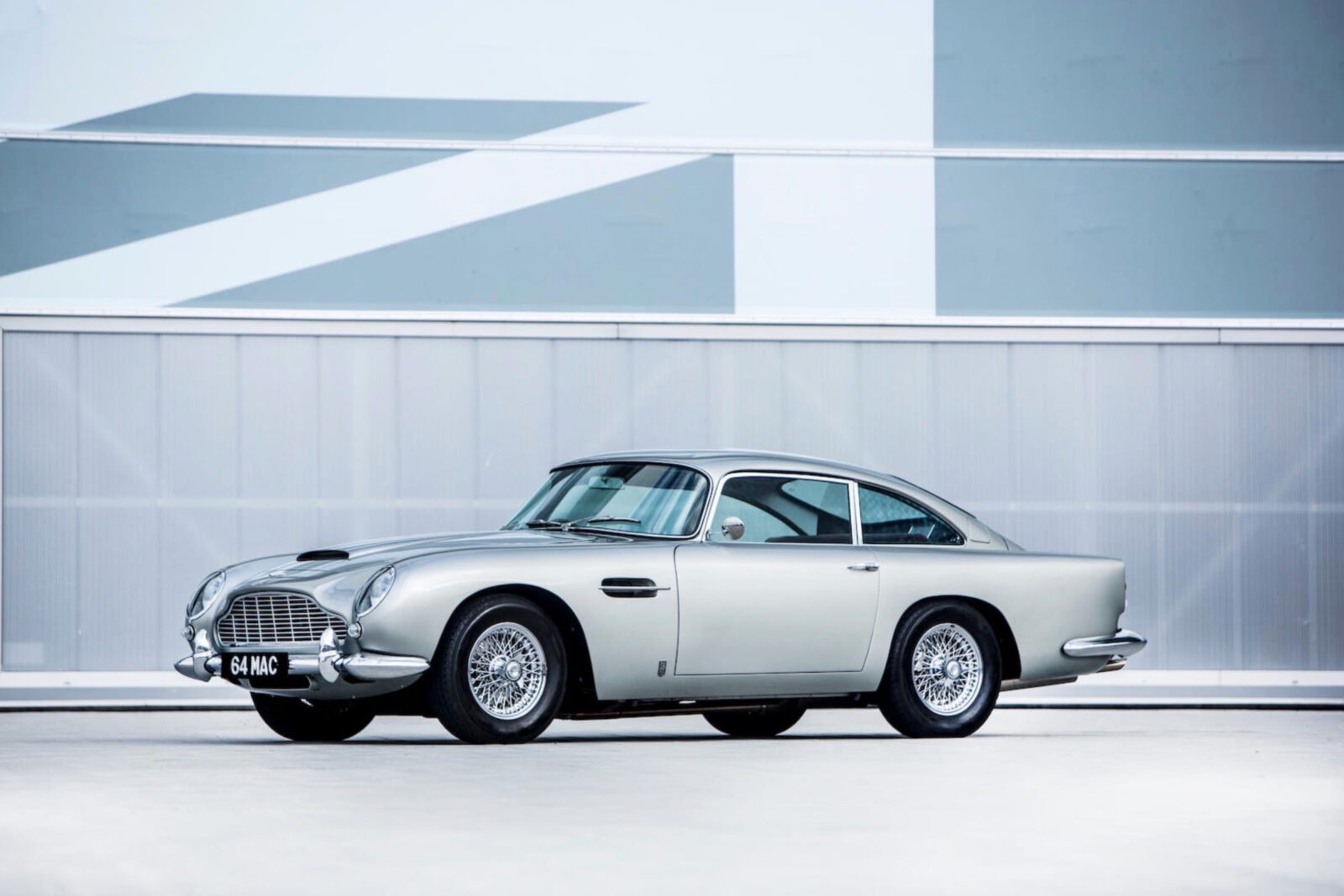 aston martin db5 car 21 1600x1067 - Paul McCartney's Aston Martin DB5