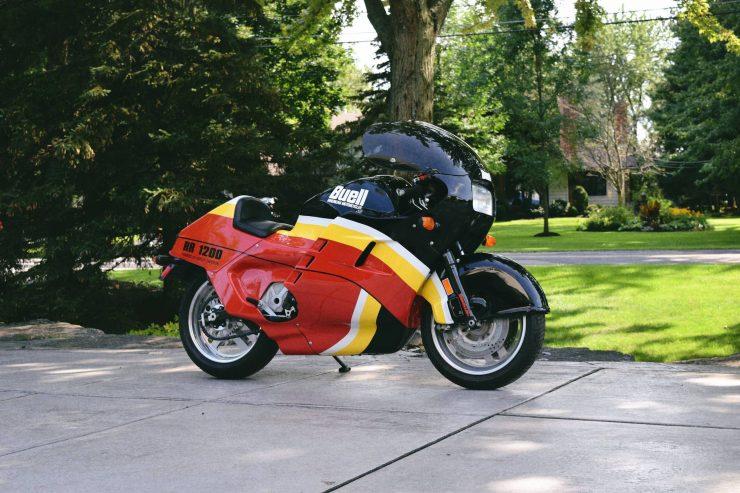 buell rr1200 battletwin motorcycle 3 740x493 - 1988 Buell RR1200 Battletwin