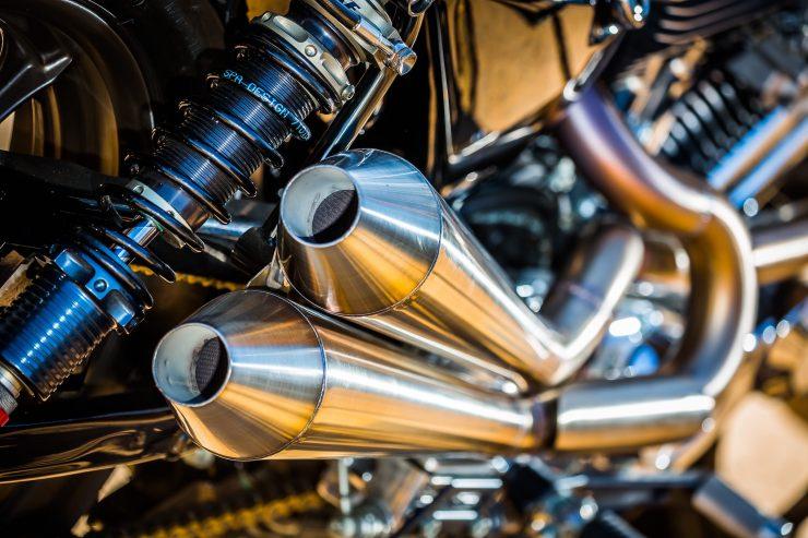 harley davidson tracker motorbike 11 740x493 - Mule Motorcycles - The Midnight Express Harley Tracker