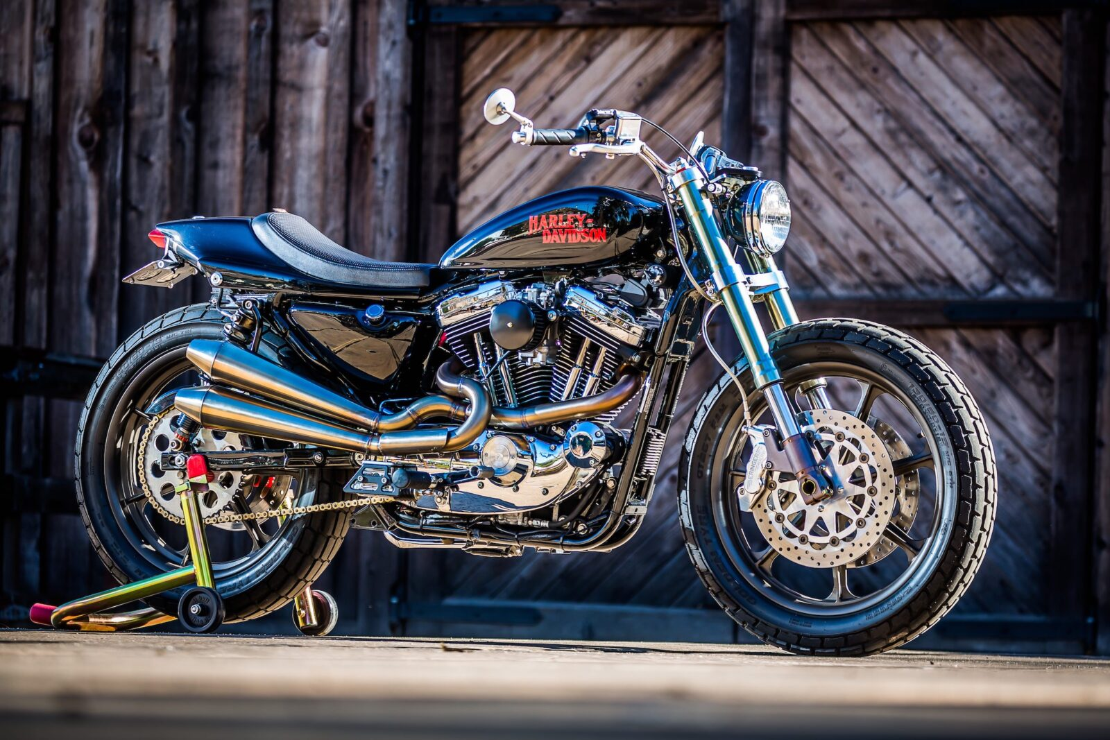 harley davidson tracker motorbike 4 1600x1067 - Mule Motorcycles - The Midnight Express Harley Tracker