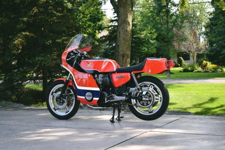 honda cb750 motorbike 7 740x493 - Rare Original Honda CB750 Phil Read Replica