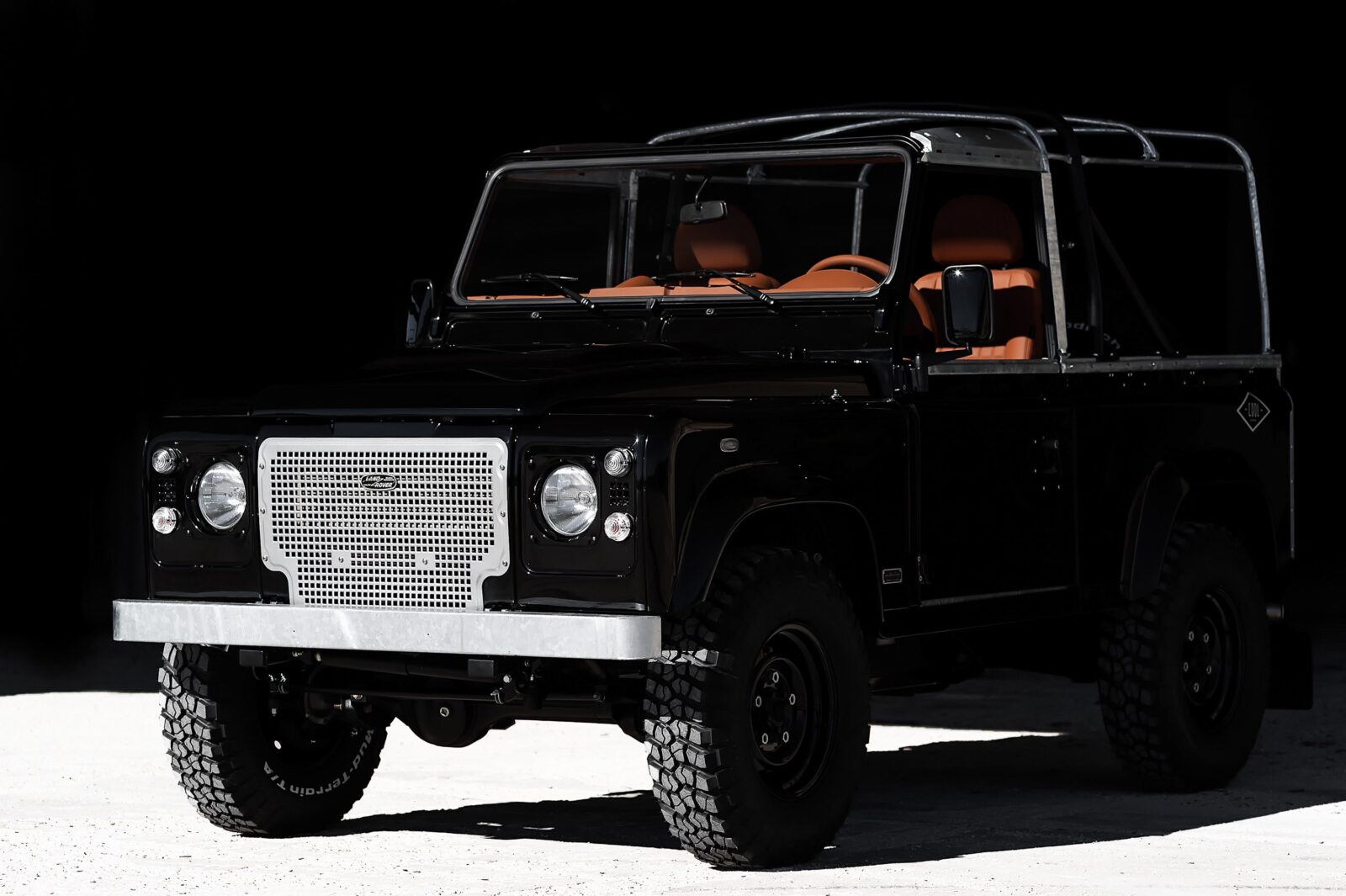 land rover defender car 16 1600x1065 - Jet Black Custom Land Rover Defender