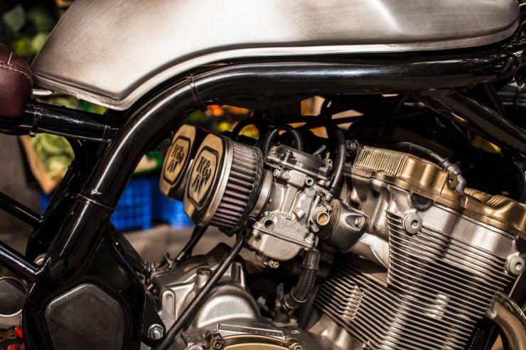 suzuki bandit 600 motorcycle 10 740x493 - XTR Pepo Suzuki Bandit 600