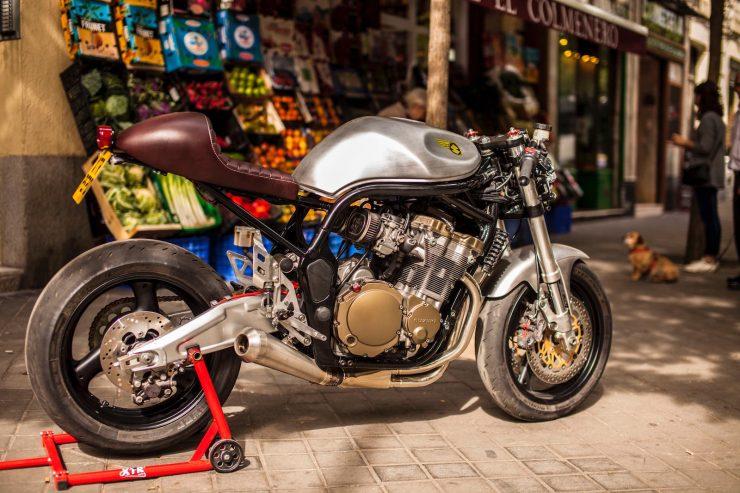suzuki bandit 600 motorcycle 11 740x493 - XTR Pepo Suzuki Bandit 600