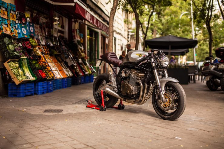 suzuki bandit 600 motorcycle 15 740x493 - XTR Pepo Suzuki Bandit 600