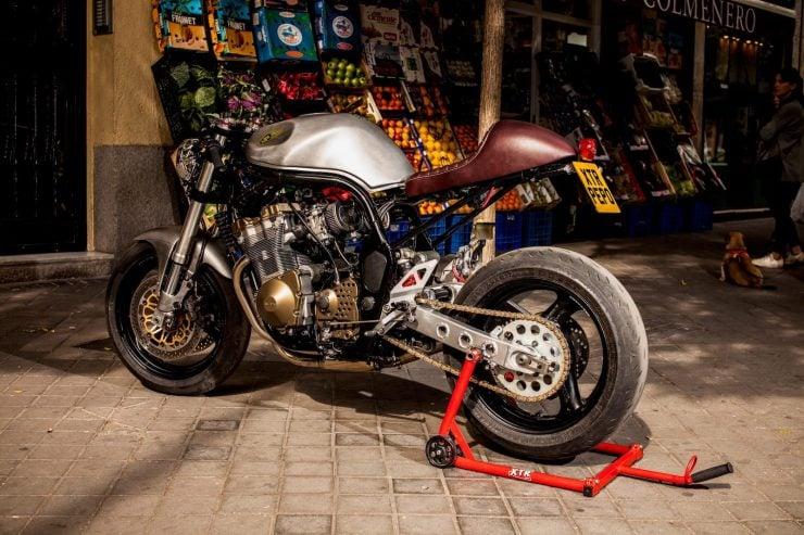 suzuki bandit 600 motorcycle 18 740x493 - XTR Pepo Suzuki Bandit 600